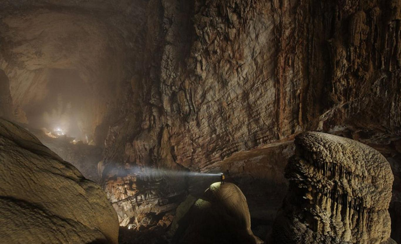Hang Sơn Đoòng được một người dân địa phương phát hiện lần đầu năm 1991