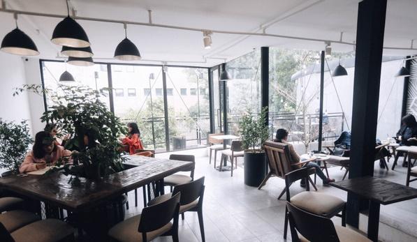 Những quán cafe có view đẹp ở Hà Nội được giới trẻ 'check-in' nhiều nhất